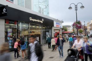 Superdrug to advertise on shoppers' mobiles with roll out of free Wi-Fi to stores