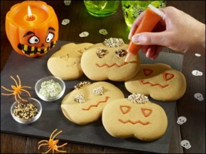 Co-operative Food launches Halloween-themed DIY gingerbread kit