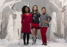 Tween fashion website, FashionPlaytes, launches festive clothing line