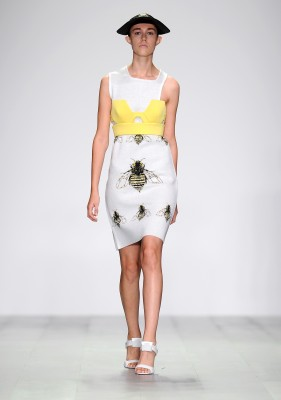 Bee Insipiration H By Hakaan Yildirim Spring 2015 Collections - Runway - London  Fashion Week c7e1b2197b72