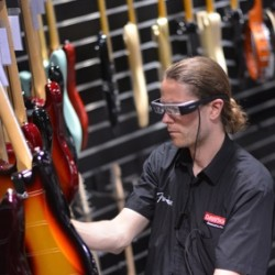 """Dawsons Music selects GoInStore to deliver industry-first """"smart glasses"""" viewpoint to online customers"""