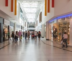 Footfall drops -2.5% over Christmas trading period, Springboard reports