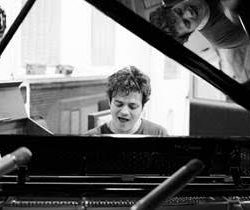 McArthurGlen collaborates with Jamie Cullum on Christmas campaign