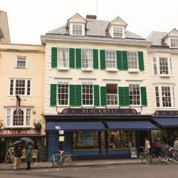 Blackwell's boosts book sales with itim's mobile technology