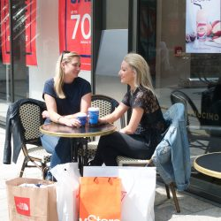 LDO first shopping centre in UK to offer store-to-door service Dropit