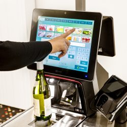 NCR report reveals extent of losses from self-checkout and identifies ways to manage it