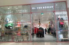 Oliver Bonas opens at centre: mk