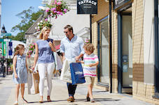 Further success at Springfields Outlet with two new signings