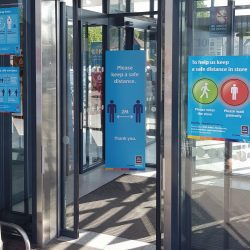 Aldi launches traffic light system for store access