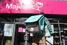 Deliveroo and Majestic Wine announce major expansion of delivery partnership