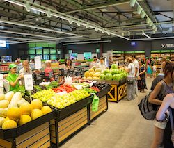 Uzbekistan grocery chain Makro marks 10-Year anniversary with 10 new stores